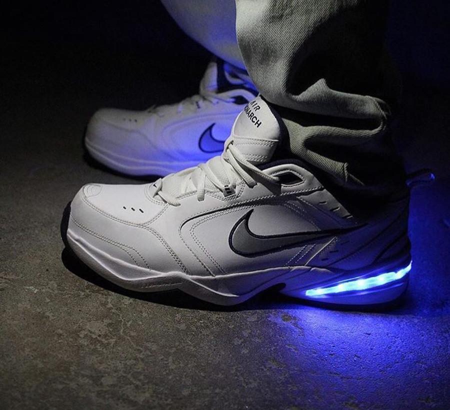 Nike Air Monarch 4 semelle lumineuse - evolvedfootwear