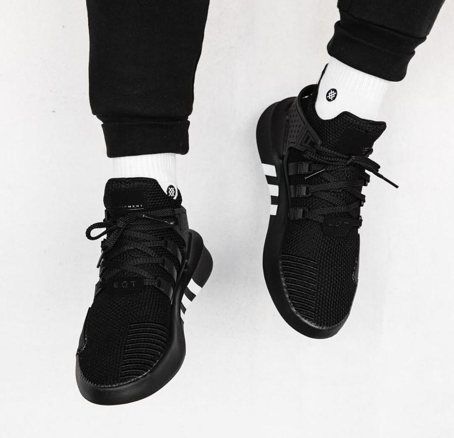 basket-adidas-equipment-bask-adv-mi-montante-mesh-noir-3-bandes-blanches (2)