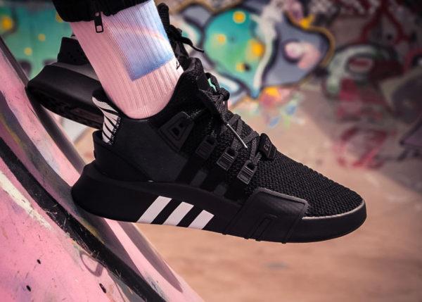 basket-adidas-equipment-bask-adv-mi-montante-mesh-noir-3-bandes-blanches (4)