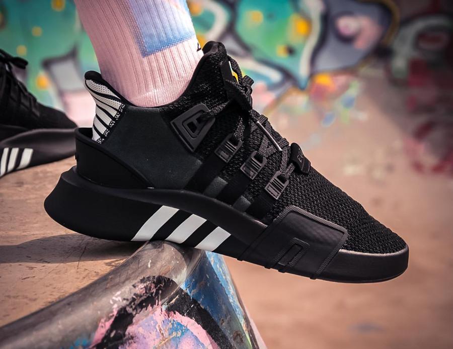 basket-adidas-equipment-bask-adv-mi-montante-mesh-noir-3-bandes-blanches (7)