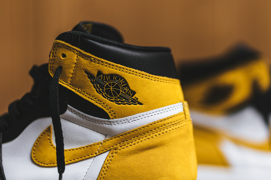 basket-air-jordan-1-royal-flush-style-black-toe-blanche-jaune-noire (1-1)