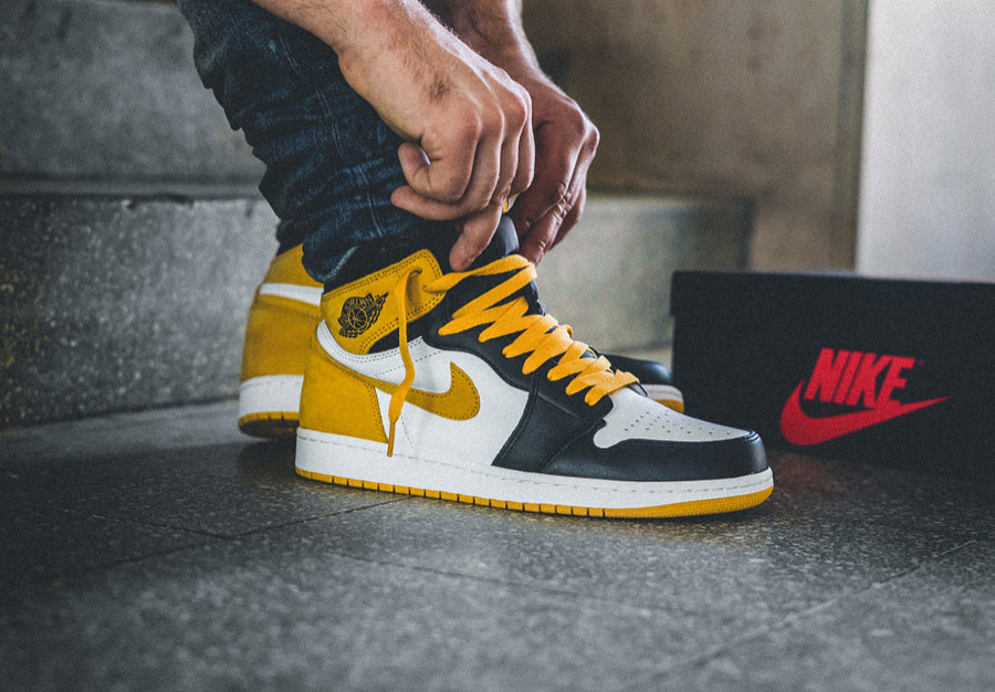 Chaussure Air Jordan 1 'Yellow Ochre' 5 MVP Awards on feet