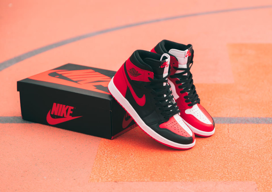 basket-air-jordan-1-split-chicago-bulls-x-banned-bred (2)