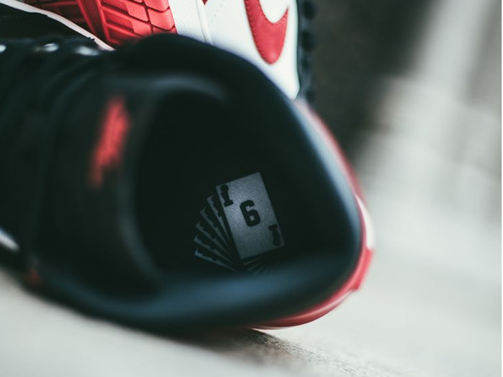 basket-air-jordan-1-style-black-toe-six-of-a-kind-on-feet