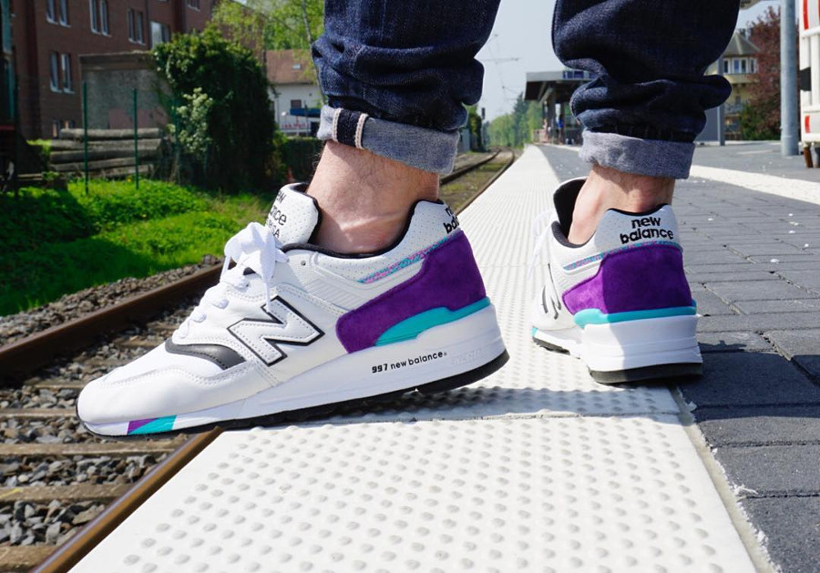 basket-new-balance-m-997-wea-blanche-violet-turquoise-on-feet (3)