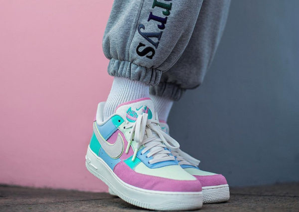 Chaussure Nike Air Force 1 QS Easter Spring Patchwork on feet
