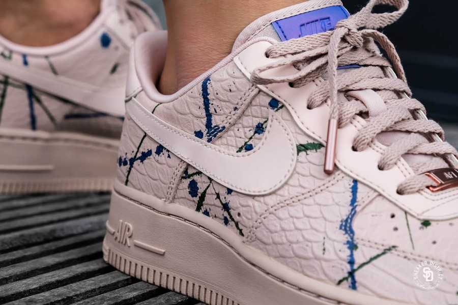 nouveau produit 2a53a 8b665 Review] Nike Air Force 1 '07 LX 'Particle Beige' Snakeskin ...
