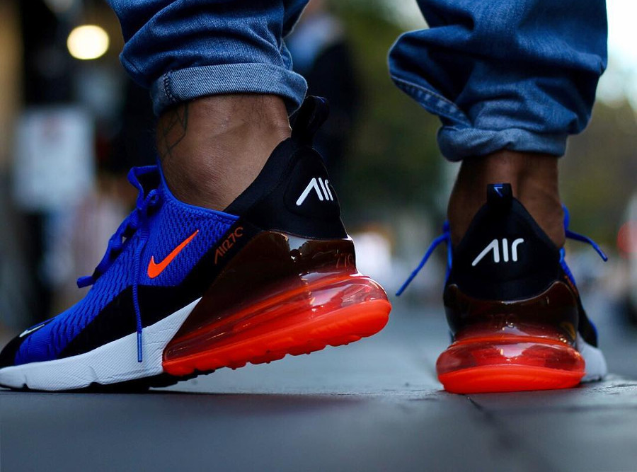 basket-nike-air-max-270-mesh-bleu-noir-swoosh-et-coussin-rouges-on-feet (1)