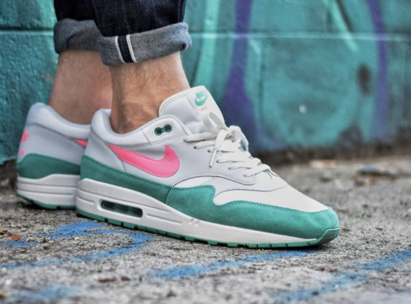 sale retailer 4f8e6 c4358 Chaussure Nike Air Max 1 Watermelon Sunset Pulse Kinetic Green on feet
