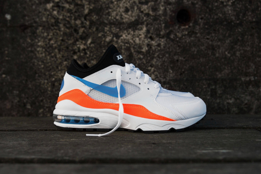 basket-nike-air-max-93-blanche-orange-bleu-pour-homme (1)
