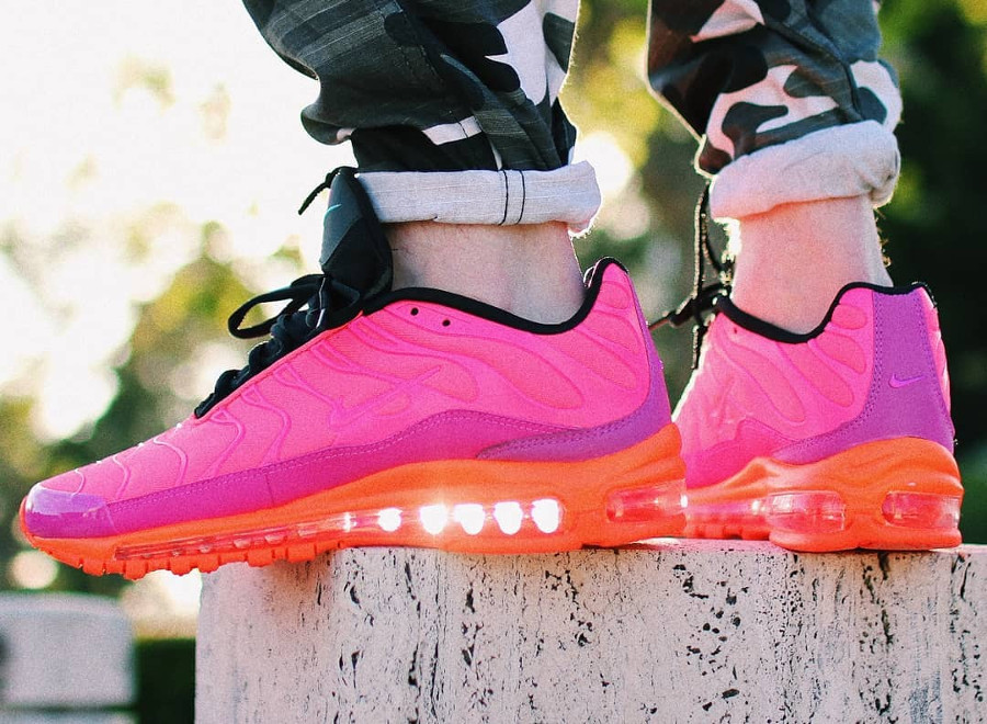 air max plus 97 racer pink on feet