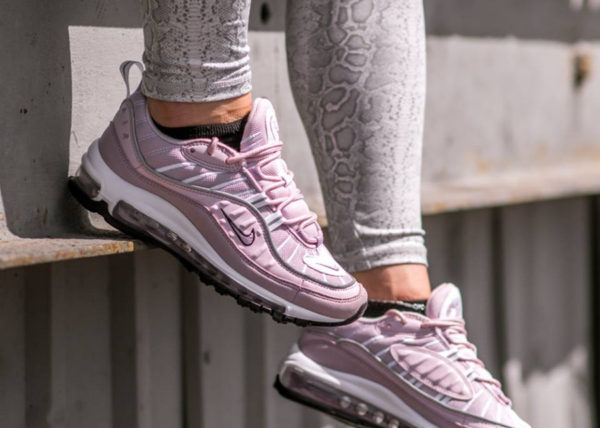Nike Wmns Air Max 98 'Barely Rose Reflect Silver'