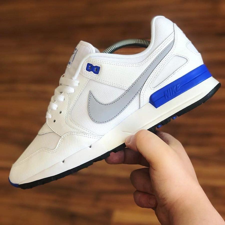basket-nike-air-pegasus-89-blanche-bleu-gris-loup-AQ4276-100 (1)