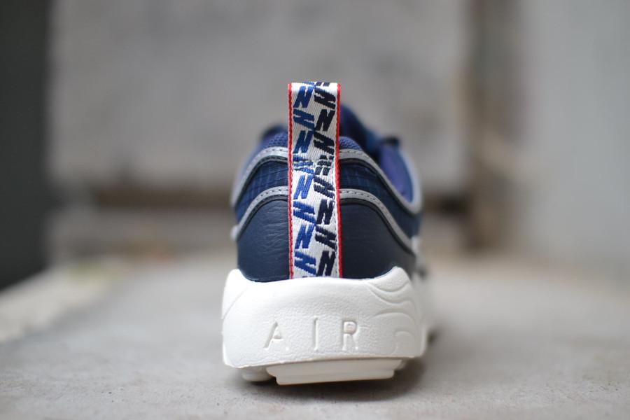 basket-nike-air-zoom-spiridon-bleu-blanc-cassé-avec-tirettes (3)
