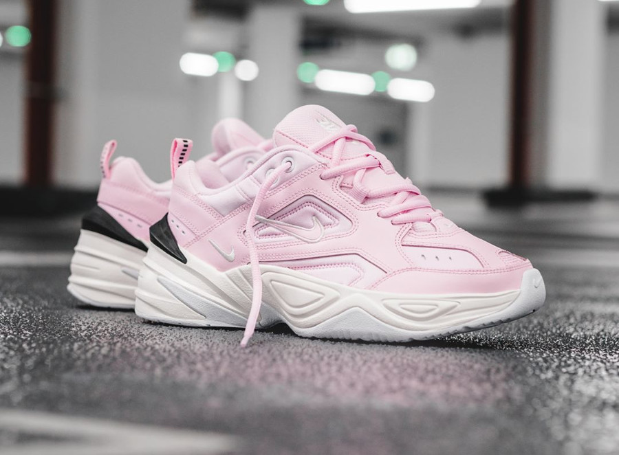 timeless design d86fb ca281 Chaussure Nike M2K Tekno femme Rose Supreme Monarch