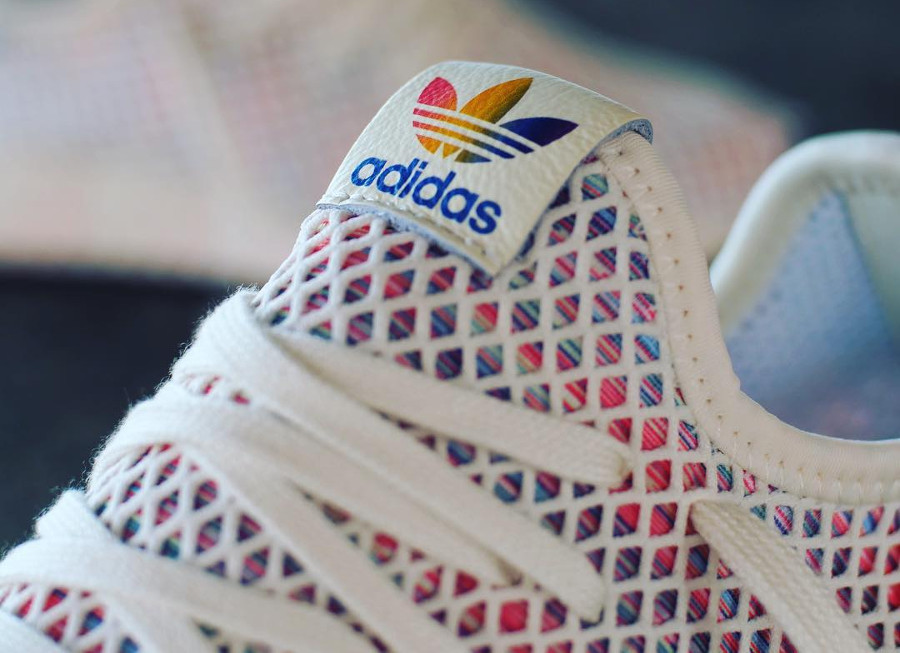 chaussure-adidas-deerupt-runner-cream-white-rainbow-flag-2018-CM8474 (2)
