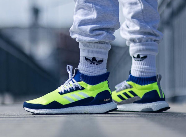 timeless design e82c4 8d1b8 chaussure-adidas-ultraboost-mid-prototype-fluo-on-feet (