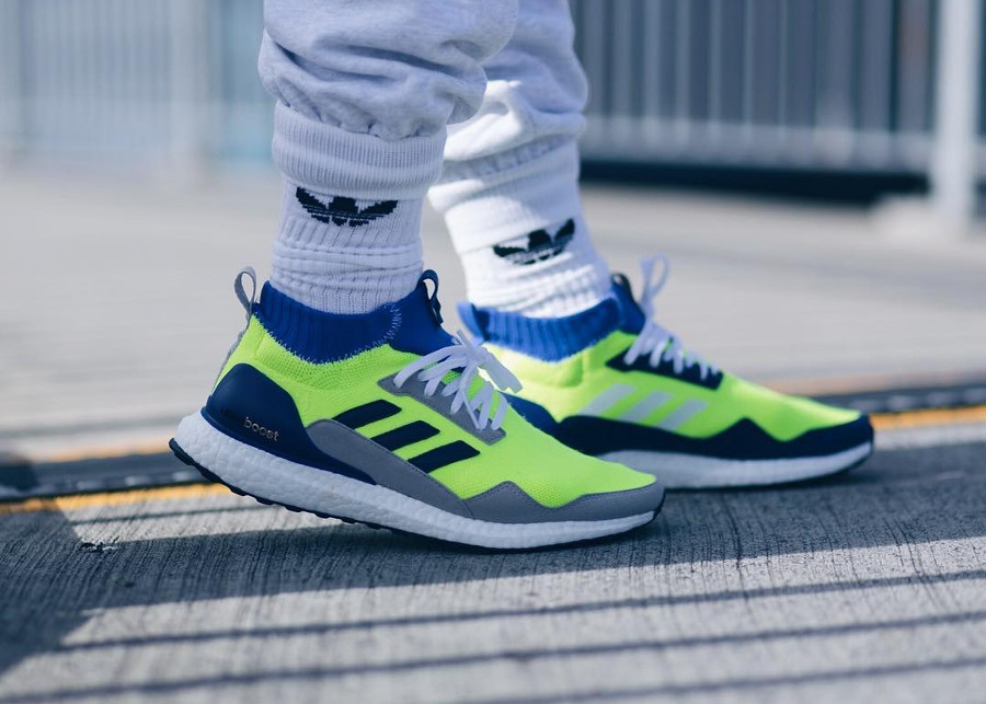 chaussure-adidas-ultraboost-mid-prototype-fluo-on-feet (4)