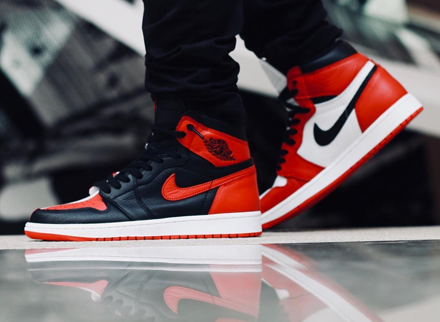 chaussure-air-jordan-1-montante-og-homage-to-home-on-feet (2)