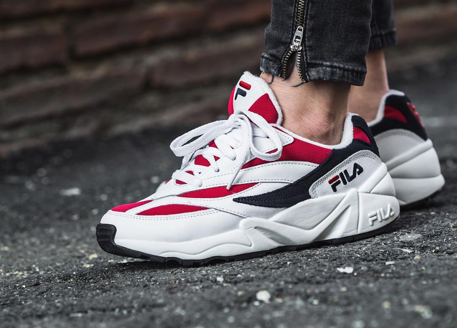 Review : Fila Venom Retro 2018 'White Red & Shady Glade' on feet