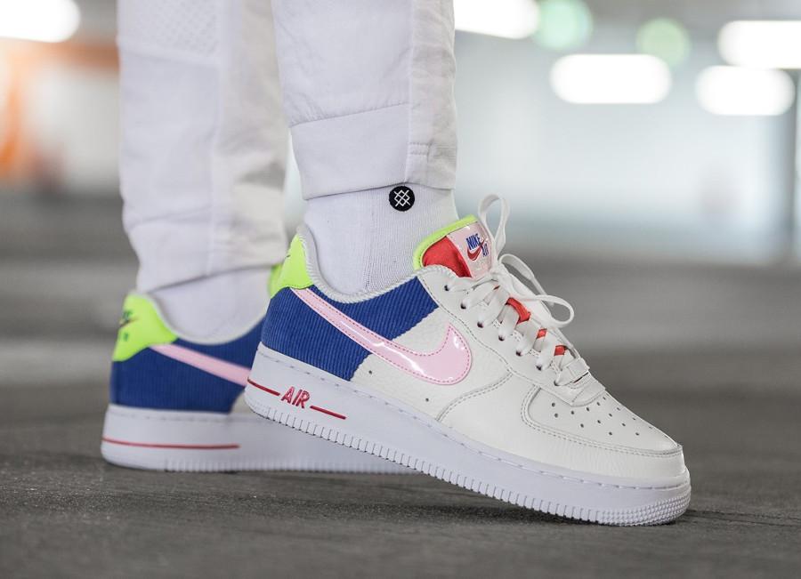 chaussure-nike-air-force-1-basse-pour-fille-velour-bleu-AQ4139-101 (2)