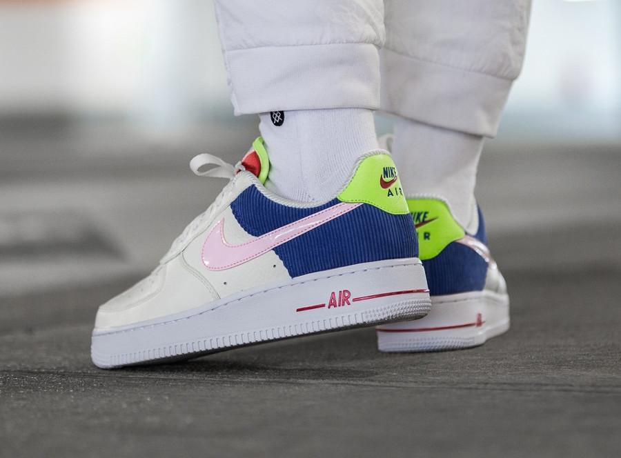 chaussure-nike-air-force-1-basse-pour-fille-velour-bleu-AQ4139-101 (4)