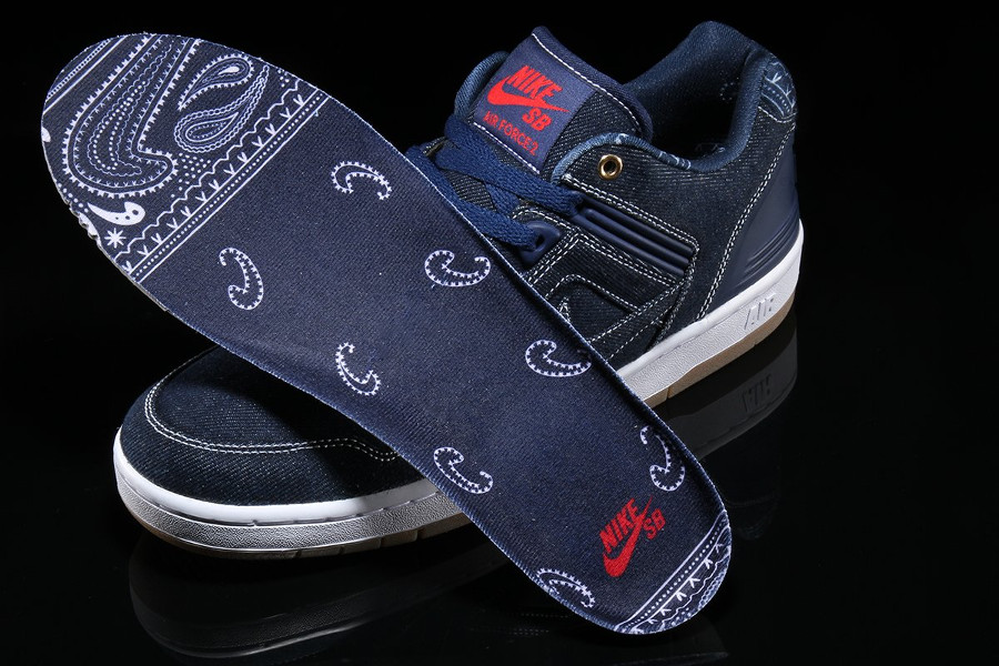 chaussure-nike-air-force-ii-2-low-qs-dark-denim-paisley-tupac (3)