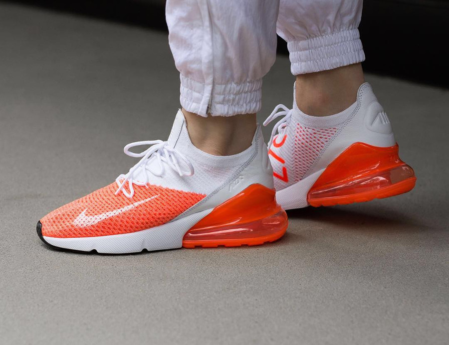 Nike Wmns Air Max 270 Flyknit 'White Crimson Pulse'