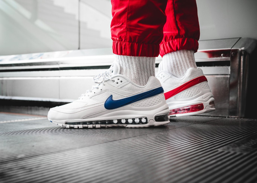 chaussure-nike-air-max-97-bw-hybride-bleu-blanc-rouge-on-feet (6)