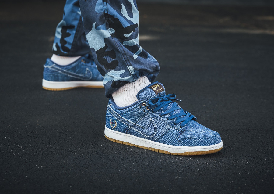 chaussure-nike-dunk-low-pro-sb-trd-denim-biggie-small-on-feet