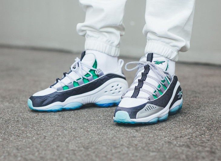 chaussure-reebok-dmx-run-10-retro-verte-semelle-tranlucide-bleue-on-feet (2)