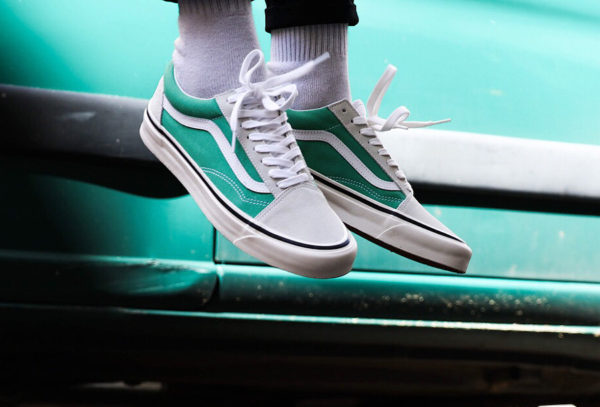 chaussure-vans-old-skool-suède-blanc-toile-turquoise- 3f1af86df