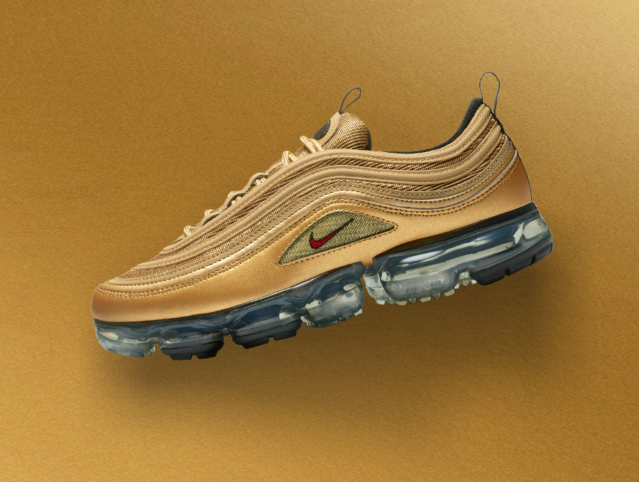 sortie-nike-air-vapormax-97-metallic-gold