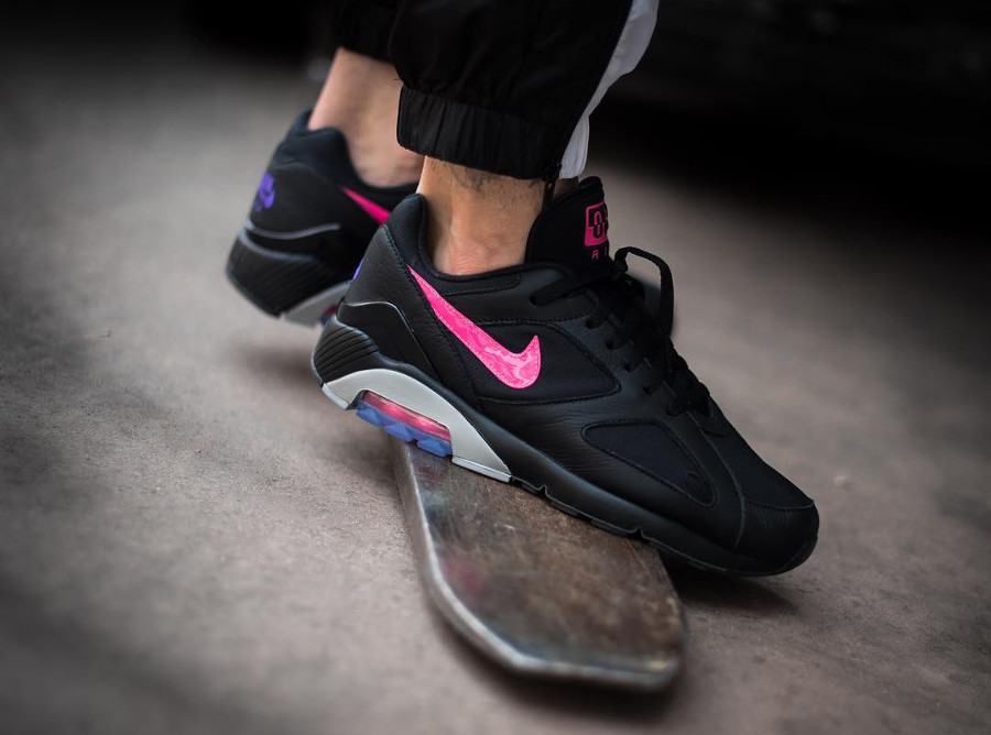 Chaussure Nike Air Max 180 noire Yeezy Blink'on feet