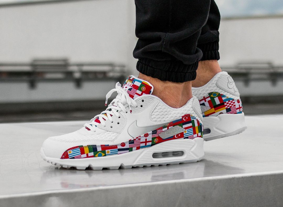 Nike Air Max 90 NIC QS International Flag on feet (1)