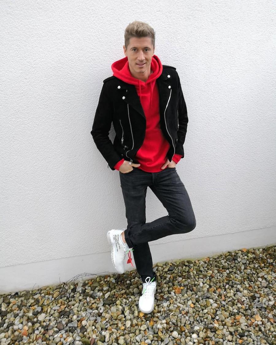 Robert-Lewandowski-en-off-white-air-max-97