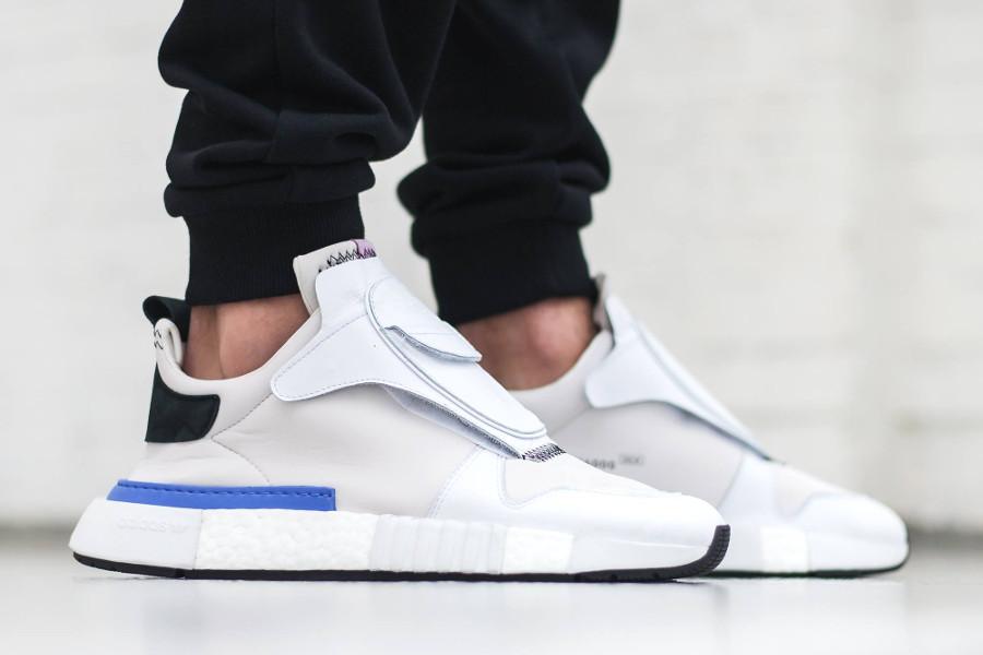 adidas-futurepacer-blanche-grise-noire-on-feet-AQ0907 (2)