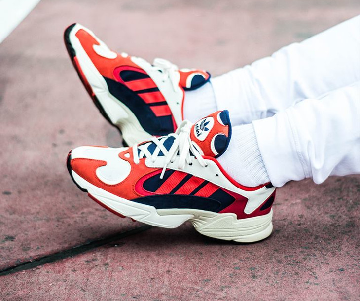 adidas-yung-1-torsion-chalk-collegiate-navy-red-on-feet-B37615 (3)