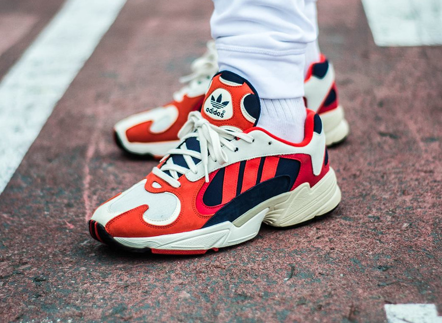adidas-yung-1-torsion-chalk-collegiate-navy-red-on-feet-B37615 (4)