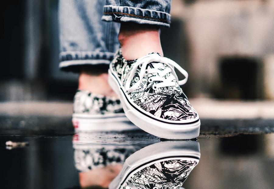 chaussure-avengers-vans-authentic-femme-marvel-noire-ey-blanche-VA38EMU5I (3)