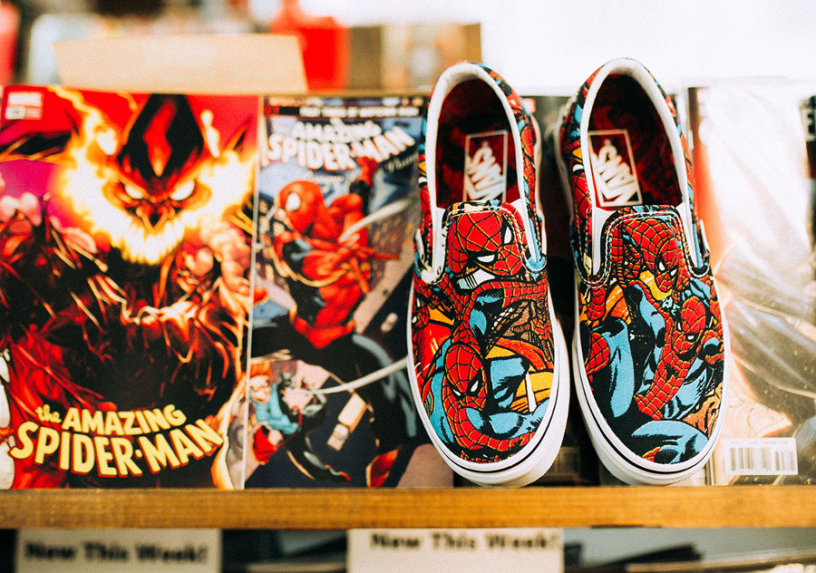 avengers-vans-slip-on-spiderman-bleue-rouge-VA38F79H7 (2)