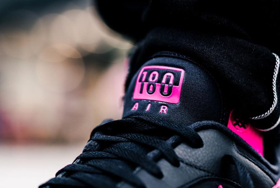 basket-nike-air-max-180-noir-rose-grise-aux-pieds-AQ9974-001 (3)
