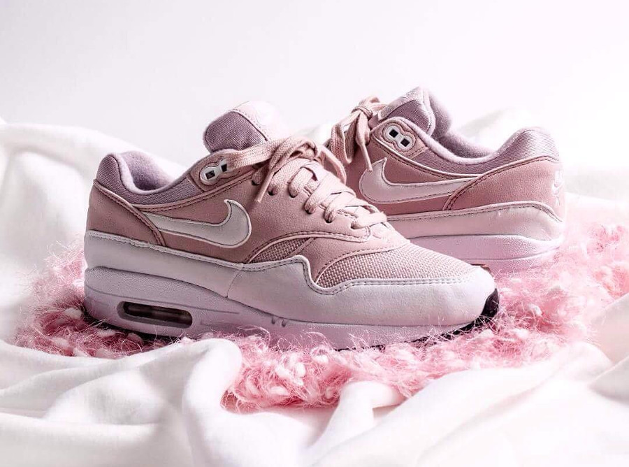Nike Wmns Air Max 1 'Barely Rose'