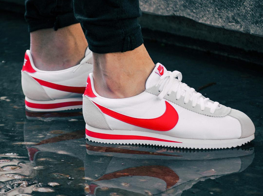 finest selection 383ae 37cbd ... wholesale basket nike cortez classic mixte blanche swoosh rouge 109ad  5b222 ...