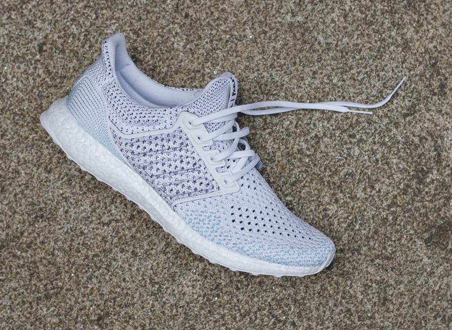 chaussure-adidas-ultra-boost-ltd-clima-parley-blanche-et-bleu-ciel-bb7076 (1)