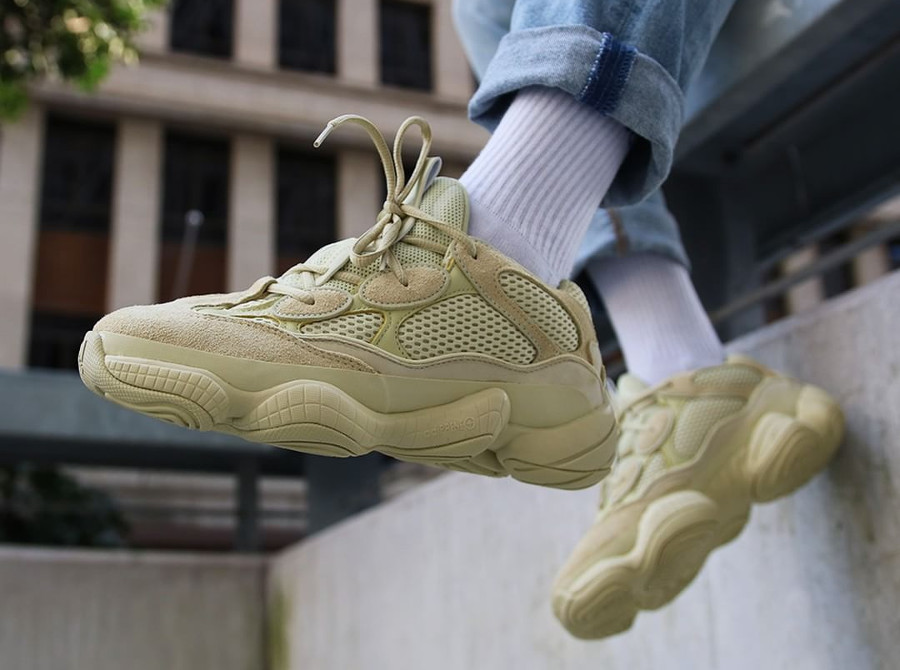 Review : Adidas Yeezy 500 Desert Rat Jaune 'Super Moon
