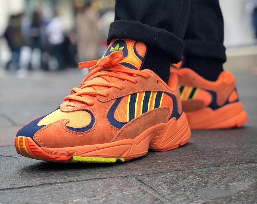 chaussure-adidas-yung-1-falcon-og-orange-yellow-on-feet (1)