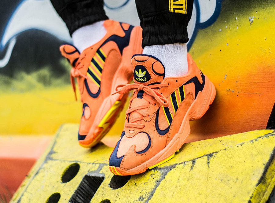 chaussure-adidas-yung-1-falcon-og-orange-yellow-on-feet (2)