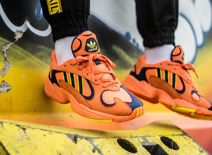 chaussure-adidas-yung-1-falcon-og-orange-yellow-on-feet (3)