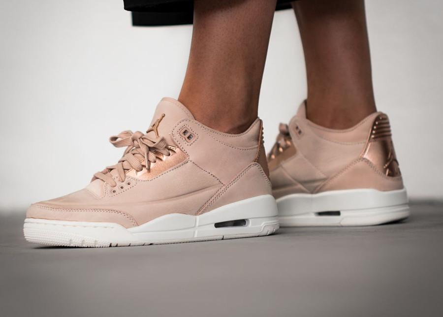chaussure-air-jordan-iii-womens-suede-beige-rose-gold-AH7859-205 (3)